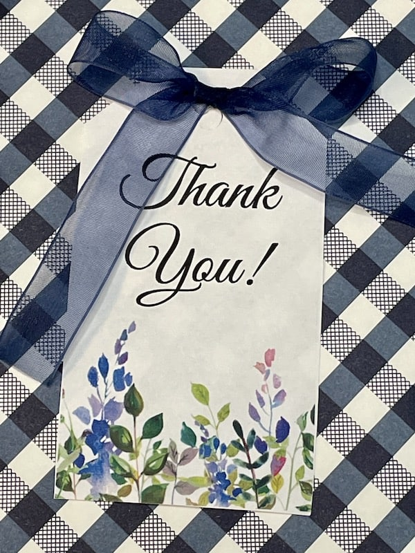 delicate and elegant floral thank you gift tag